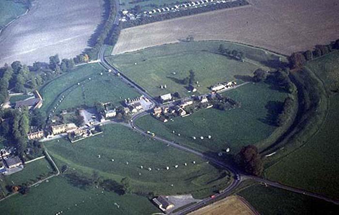 Avebury - ravnica divova
