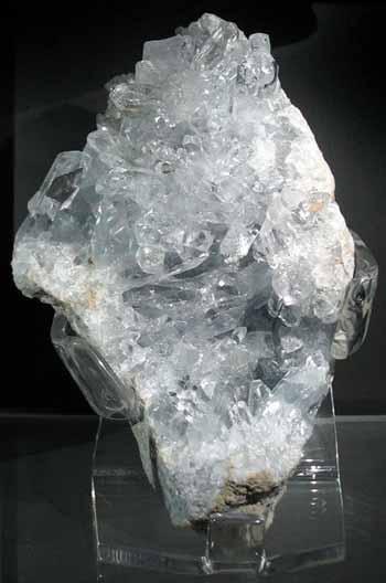 استعمالات حجر سلستين-الكوارتز الأزرق Celestine, Celestite, Blue Quartz
