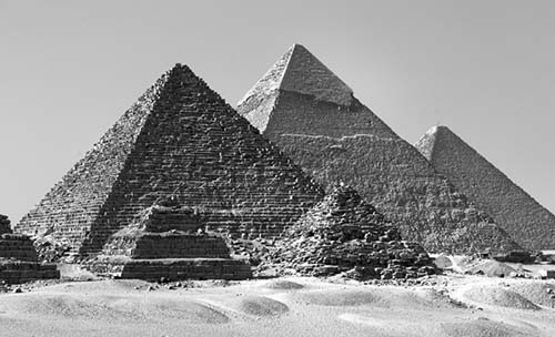 essays on the great pyramid of giza Math research the great pyramid of giza construct a three-dimensional model to scale using any material you choose then make a two-dimensional drawing of the same pyramid on any size poster board.