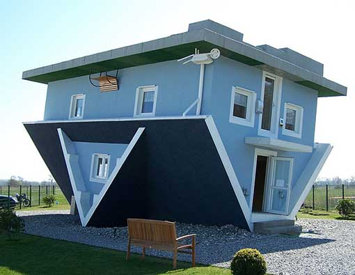 Weird houses around the world for Pictures of different homes
