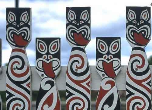 Traditional Maori Art: Crystalinks