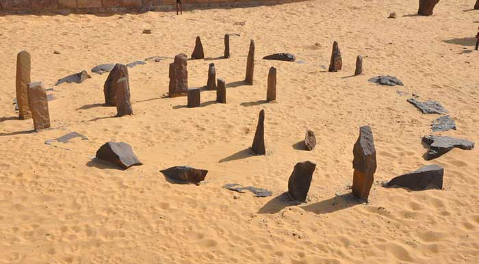 Meaning architecturally and according to the rules of ... |Nabta Playa Monolith