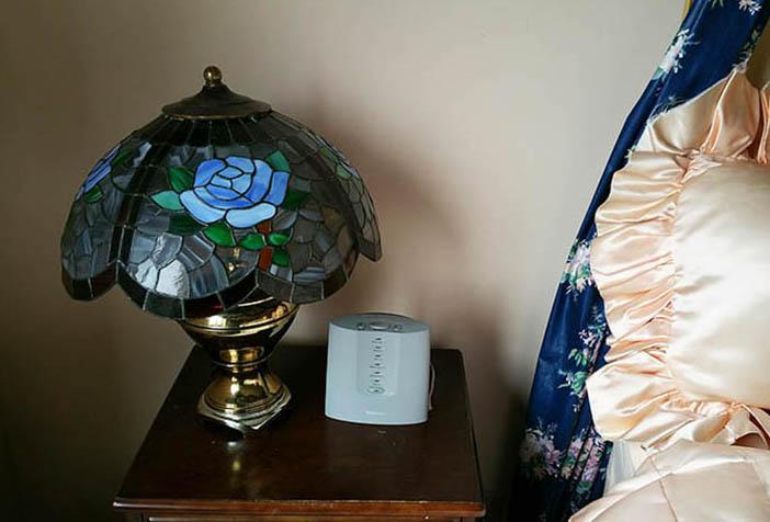 white noise vs pink noise machines. Black Bedroom Furniture Sets. Home Design Ideas
