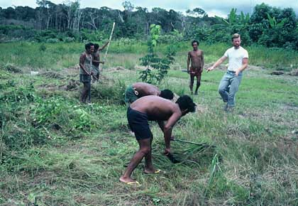 international spiegel brazil piraha tribe living without numbers time