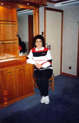 Ellie S Qe2 Adventures December 1991