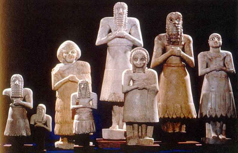 Tell Asmar statues of gods/godesses