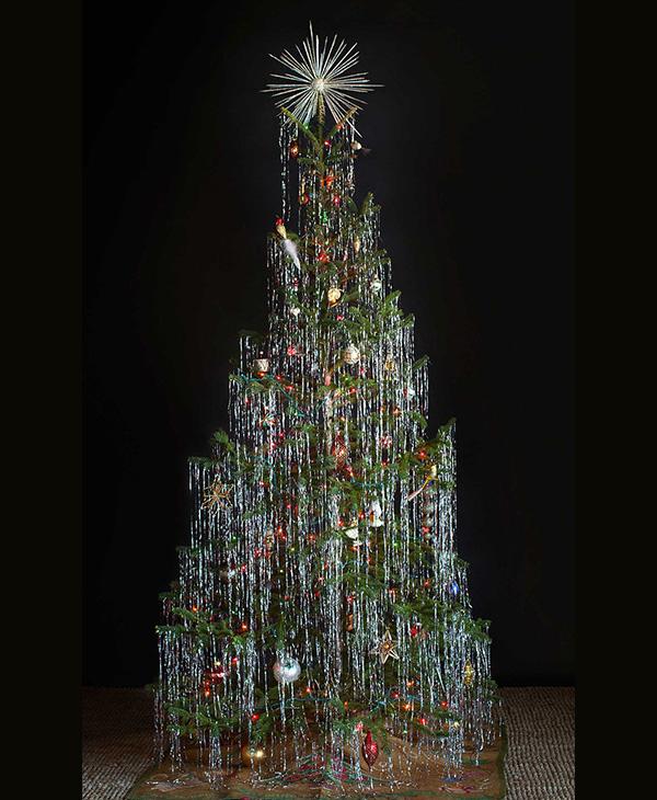 Christmas Tree Tinsel.Ellie S World Christmas Trees Tinsel Holly Mistletoe