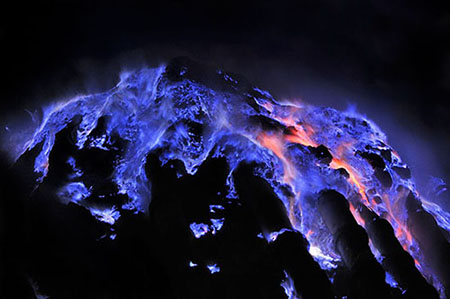 For several years Paris-based photographer Olivier Grunewald has been documenting the Kawah Ijen volcano in Indonesia where dazzling electric-blue fire ... & Volcanoes In the News azcodes.com